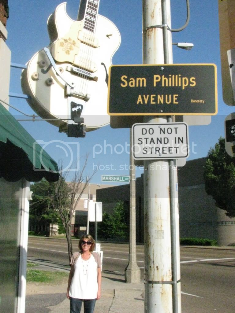 outside of Sun Studios on Sam Phillips Avenue Pic